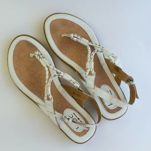 BOC Born Concept White T-strap Sandals Womens US 9